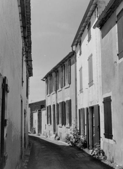 Sainte-Marie-de-Ré, et aussi des ruelles.