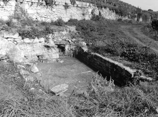 Saint-Emilion, le lavoir au lieu-dit Bergat.