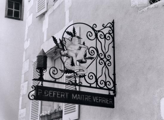 Auxerre, l'enseigne du maître verrier.