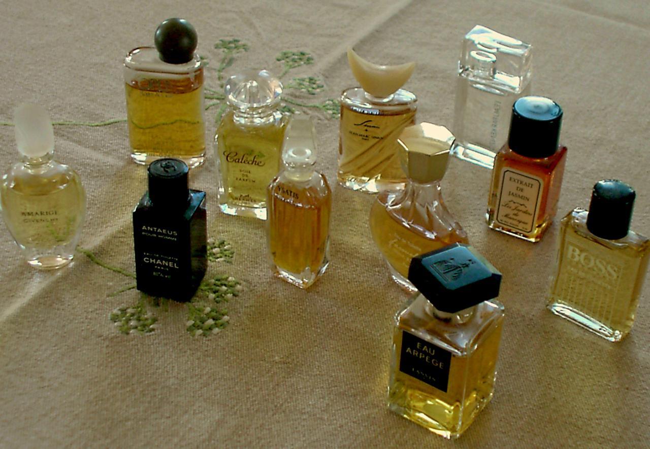 Saint-Nazaire, publicité pour un parfumeur