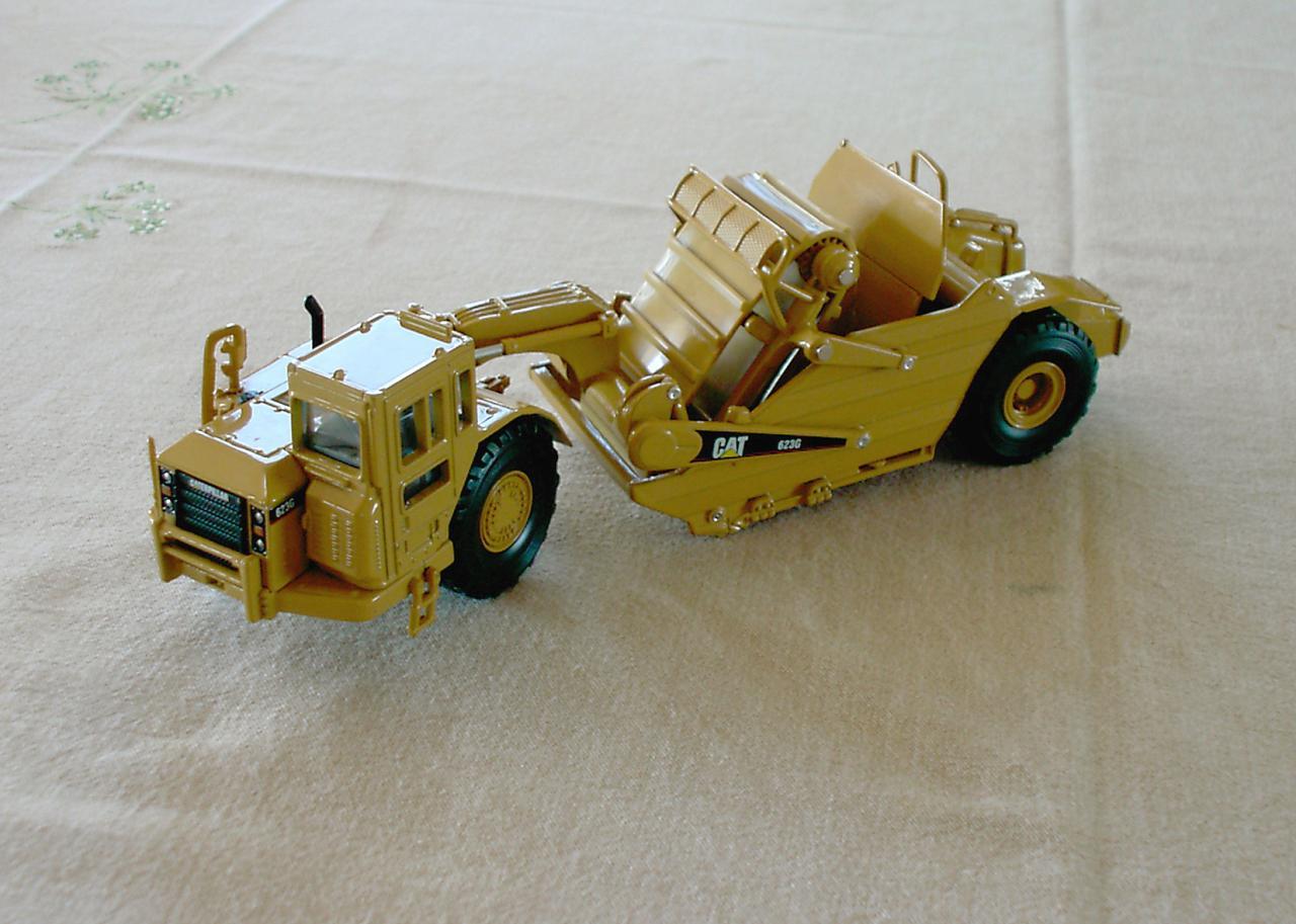 miniature, un motorscraper